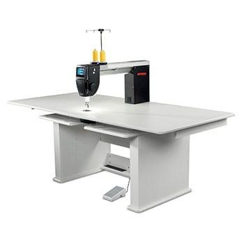 BERNINA Q 20 Longarm Quilting Machine with Table